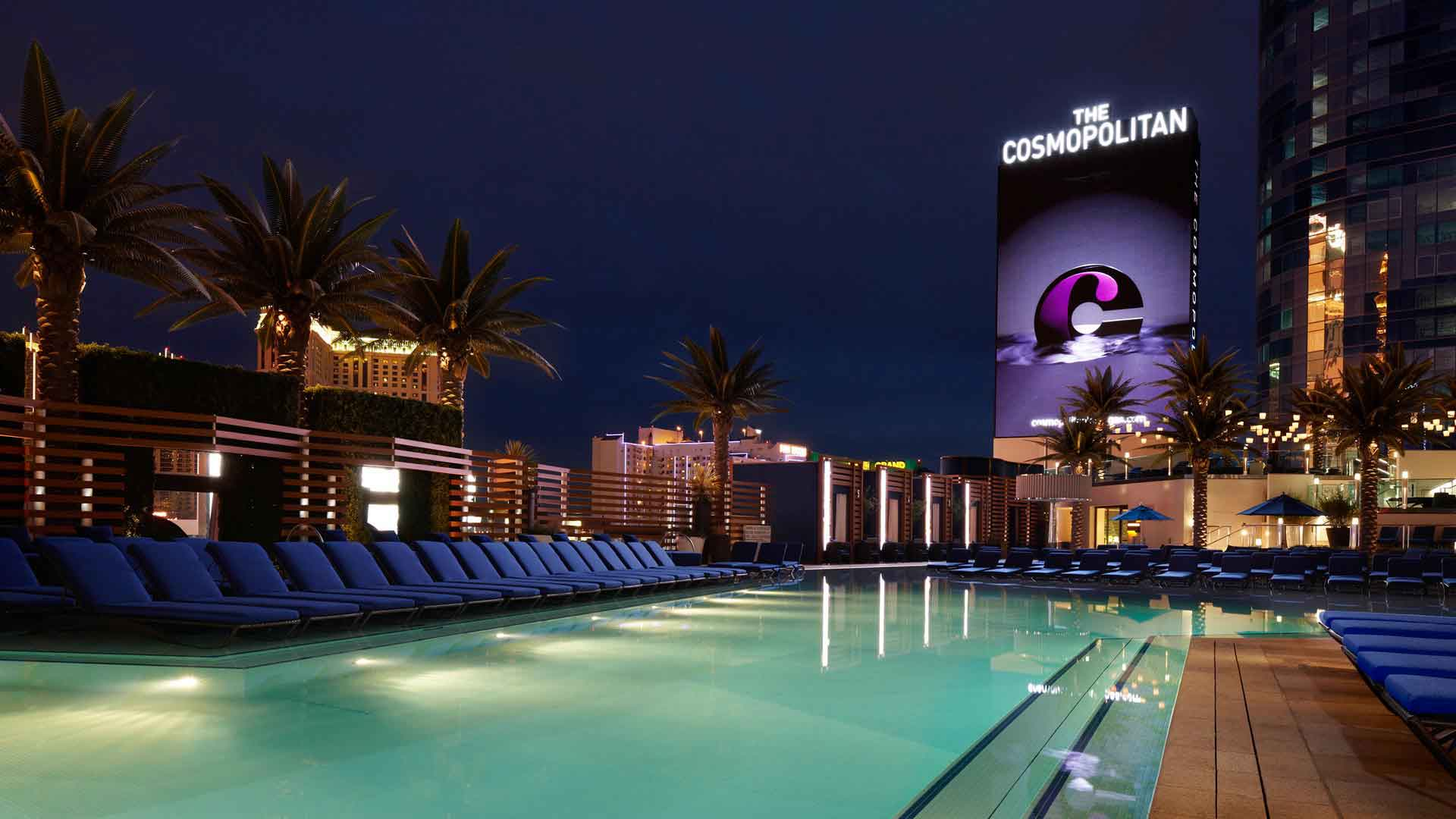 pool-at-the-cosmopolitan-las-vegas